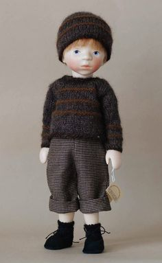 Boy in Gray Knit by Elisabeth Pongratz at The Toy Shoppe Pretty Dolls, Beautiful Dolls, Boy Doll Clothes, Tiny Dolls, Wooden Dolls, Waldorf Dolls, Designer Toys, Knitted Dolls, Collector Dolls