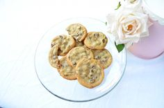 The Kosher Cave Girl: Crispy Chocolate Chip Cookies {Paleo}  Awesome cookies! I used 2 cups rice flour to replace tapioca flour.