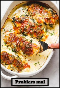 Spinach Chicken Casserole with Cream Cheese and Mozzarella Looking for keto casserole recipes? These low carb keto diet recipes are great for weight loss and make delicious meal prep recipes. Low carb keto casseroles are some of the best ways to make e Ketogenic Recipes, Low Carb Recipes, Diet Recipes, Cooking Recipes, Healthy Recipes, Recipies, Ketogenic Diet, Diet Desserts, Lunch Recipes
