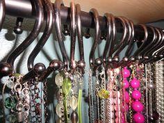 Momma B: DIY Necklace Storage