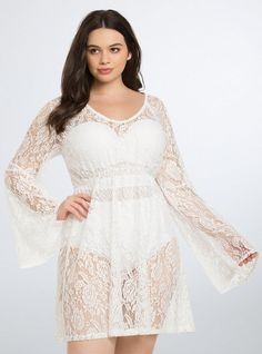 Swim Chic: 15 Must Own Poolside Cover Ups! http://thecurvyfashionista.com/2016/05/plus-size-poolside-cover-ups/