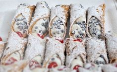 Of all the mouthwatering dishes to come out of Sicily, cannoli might just be the best known and best loved. Few can resist that decadent ricotta filling, the flaky pastry that surrounds it. While cannoli Italian Desserts, Just Desserts, Italian Recipes, Delicious Desserts, Dessert Recipes, Yummy Food, Italian Cookies, Homemade Cannoli Recipe, Homemade Cannolis