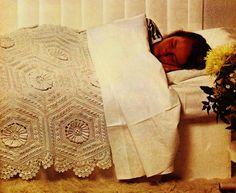 DIY Victorian Hexagons Heirloom Bedspread PDF por MomentsInTwine