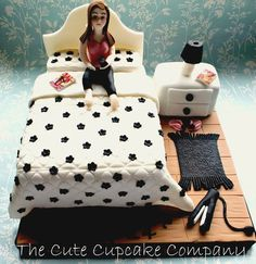 Teenage bedroom cake  - popculturez.com