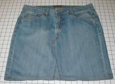Tons of ideas to recycle old jeans.. Skirt,bag, quilt, more
