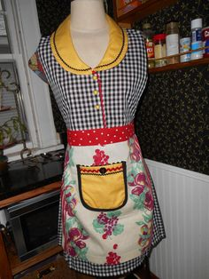 Women's Dress Apron Collared Upcycled Vintage by ArtyApronsAndSuch, $46.00