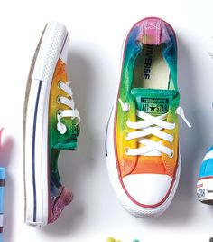 Make A Rainbow Ombré Low-Top Sneakers Fun Arts And Crafts, Arts And Crafts Projects, Rainbow Crafts, Fabric Storage, Crochet Slippers, Joanns Fabric And Crafts, Sock Shoes, Chuck Taylor Sneakers, Diy Fashion