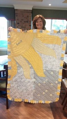 "Baby quilt, ""you are my sunshine"" themed nursery. I love this. With or without  the name  it's  too cute.n"