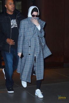 KENDALL JENNER Leaves Gigi Hadid's Apartment in New York (2)