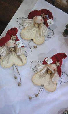 - Happy Christmas - Noel 2020 ideas-Happy New Year-Christmas Diy Christmas Angel Ornaments, Felt Christmas, Felt Ornaments, Homemade Christmas, Christmas Angels, Burlap Christmas, Christmas Fairy, Ornaments Design, Country Christmas