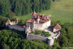 Gruyere Castle Switzerland | majestic castle to visit during your visit in Switzerland
