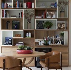 Library with minibar. Home Interior, Interior Design, Sweet Home, Muebles Living, Home Office, Living Room Decor, Bookcase, Furniture Design, House Design