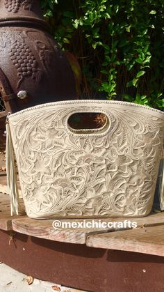 Tooled leather clutch @mexichiccrafts Tooled Leather Purse, Leather Tooling, Leather Clutch, Leather Purses, Backpacks, Tools, Bags, Handbags, Instruments