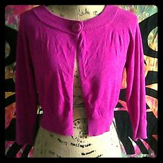 💰💰Express pink crop cardigan one button sweater Express cropped sweater with single button in size medium. A beautiful bright pink color. Some wear on underarms (shown), great sweater! Express Sweaters Cardigans