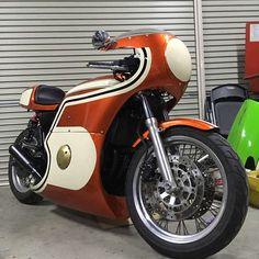 #BPR #カフェレーサー #70sレーサースタイル #NC36 #NEWヨンフォア #水冷 #forsale スポークホイールが似合うカフェレーサー車が完成ですね