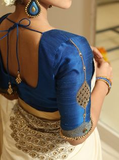 Latest blouse back neck design - The handmade craft - Latest blouse back neck design – The handmade craft - Blouse Back Neck Designs, Stylish Blouse Design, Fancy Blouse Designs, Kerala Saree Blouse Designs, Wedding Saree Blouse Designs, Wedding Blouses, Top Dos Nu, Look Cool, Making Ideas