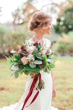 Geometric-inspired burgundy red fall wedding bouquet