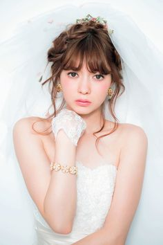 Bride figure is upheaval in the bad hair style is good! Image that is introduced in the BEST Hair 6 election ♡ to become a top-season dress Natural Wedding Makeup, Bridal Makeup, Wedding Looks, Bridal Looks, Bride Hairstyles, Hairstyles With Bangs, Fluffy Wedding Dress, Wedding Hair Bangs, Prity Girl