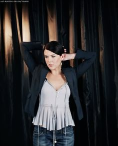 Lauren Graham, actress in Gilmore Girls. She grew up in Northern Virginia (McLean Arlington, and Great Falls, VA) Graduate of Langley High School, McLean, VA Graduate of Barnard College/Columbia University with a Bachelor's Degree in English.