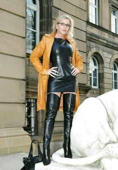 Cognac leather coat, black leather minidress and thigh boots Crazy Outfits, Sexy Outfits, Fall Outfits, Fashion Outfits, Womens Fashion, Leather Dresses, Leather Pants, Leather Outfits, Black Leather