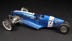 Scale model dieselpunk racer vehicle. Titled: Junk Tank Rock Racer by Marcel du Long. Pinned by #relicmodels