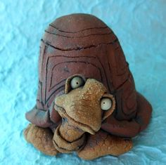 how gorgeous is he.Turtle Sculpture Ceramic Container by RudkinStudio on Etsy Pottery Animals, Ceramic Animals, Clay Animals, Ceramic Art, Ceramics Projects, Clay Projects, Clay Crafts, Clay Turtle, Clay Pinch Pots
