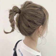 Summer heat, cute and fashionable - HowLifes Up Hairstyles, Pretty Hairstyles, Short Ponytail, Medium Hair Styles, Long Hair Styles, Shot Hair Styles, Hair Arrange, Kirara, Japanese Hairstyle