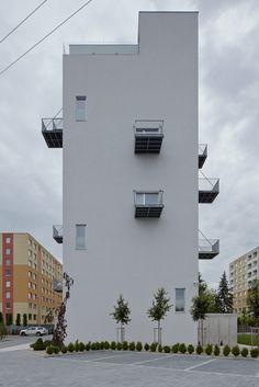 http://www.archdaily.com/602181/prefab-house-in-rimavska-sobota-gutgut/