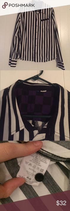 Men's H&M Fashion Striped Button Down Shirt Men's H&M Fashion Striped Button Down Shirt with black and purple checkered fabric on inside. Tags are cut out, but it's a Size Large! Still in great condition, make me an offer! ❤️BUNDLE AND SAVE MORE! H&M Shirts Casual Button Down Shirts