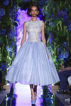Guo Pei Couture Fall Winter 2017 Paris