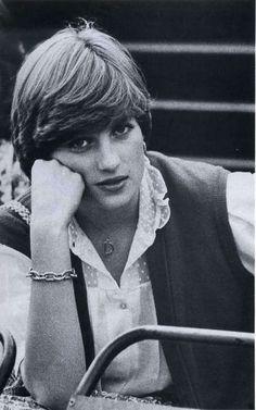 L'idylle de Diana et de Charles débute & La première photo de Arthur Edwards de Diana à macht de polo