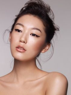 Korean Diet Secrets for Youthful, Wrinkle-free Skin It's not just genetics; these foods also have a hand in the Korean women's flawless complexions Korean Makeup, Korean Beauty, Asian Makeup Monolid, Asian Beauty, French Beauty Secrets, Korean Diet, Korean Skincare Routine, Asian Skincare, Foto Art