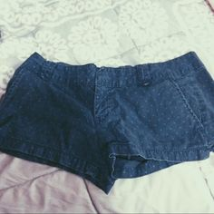 """Blue Shorts Blue shorts with polka dots from Aeropostale. Size 3/4. Clasp on front for button. About 2"""" inseam. Buttons on the back. Very cute but are just too big for me! Aeropostale Shorts Jean Shorts"""
