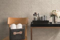 Coleção Sonata - Produto Duquesa - Aproveite a delicadeza dos relevos para dar charme aos ambientes. Parede decorada, relevo, Cerâmica Portinari.