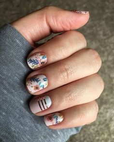 Nail art is one of many ways to boost your style. Try something different for each of your nails will surprise you. You do not have to use acrylic nail designs to have nail art on them. Here are several nail art ideas you need in spring! Short Nail Designs, Nail Designs Spring, Nail Art Designs, Nails Design, Nail Designs Floral, Design Floral, Spring Nail Art, Spring Nails, Gel Nagel Design
