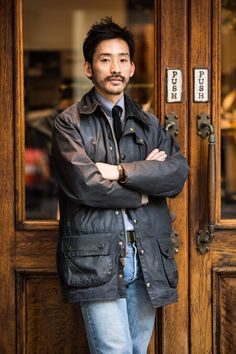 バブアー 着こなし メンズ【2015最新コーデ】 Denim Fashion, Sneakers Fashion, Barbour Mens, Hipster Man, Men's Wardrobe, Men Street, Casual Street Style, London Fashion, Mantel