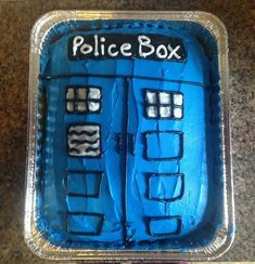 DIY - Party Planning: Doctor Who Premiere - TARDIS - Cake
