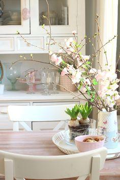 Witam Was serdecznie!   Chyba wszyscy czekamy już na prawdziwą wiosnę... Tak już mi się chce zielonej trawy i zielonych drzew, że z...