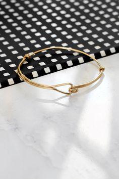 » MY DIY | Triangle Wire Bracelet