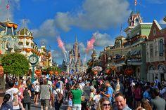 Ein Kindheitstraum wird wahr –in Orlando, Florida: Das Schloss im Disney World Orlando hat mich verzaubert. Mehr gibt's hier bei einem Klick aufs Bild.