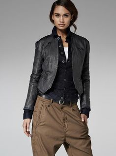 G-Star RAW — Biker Suit Leather Overshirt - Women - Jackets. Prefer a combination with cargo pants and a white T-shirt. Mode Outfits, Casual Outfits, Fashion Outfits, Womens Fashion, Fasion, Look Fashion, Urban Fashion, Autumn Fashion, Sporty Fashion