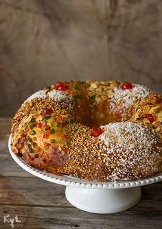 Síiiiiiiiiiii síiiiiiiiiiiiiii sin duda le mejor receta, lógicamente es mi opinión. Y digo yo, si desde siempre he sabido que la calabaza aporta una jugosidad extraordinaria a todo... Por qué demonios Sweet Desserts, Sweet Recipes, Delicious Desserts, Cake Recipes, Spanish Desserts, Pan Dulce, Cake Bars, Bread And Pastries, Latin Food