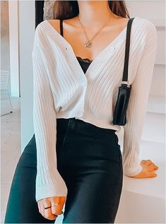 Mar 2020 - 33 Best Casual Fashion Trends You Will Love – Trendy Fashion Ideas Source by giovannafashionmode casual Cute Outfits With Shorts, Cute Casual Outfits, Short Outfits, Stylish Outfits, Simple Outfits, Cute Cardigan Outfits, Casual Fashion Trends, Winter Fashion Outfits, Fall Outfits