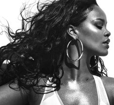 Rihanna Vogue, Rihanna Fenty, Guy Bourdin, Shakira, Photos Rihanna, Rihanna Photoshoot, Rihanna Cover, Alas Marcus Piggott, Look 2018