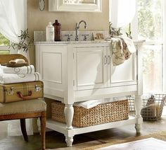 37 Charming Shabby Chic Bathroom Vanity Ideas A bathroom needs to be full of light. It is a great place to start playing with shabby chic design. Casas Shabby Chic, Shabby Chic Mode, Shabby Chic Style, Shabby Chic Decor, Vintage Bathroom Decor, Diy Bathroom Decor, Vintage Home Decor, Bathroom Ideas, Bathroom Furniture