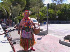 Unser Elba Urlaub da kann man was erleben ! Wie auf dem Bild! Der singende Bananenmann der jeden Tag am Strand lang lief!