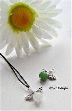 Hier biete ich zwei superschöne Schutzengel/Glücksbringer für 2012. Einen weißen Jade Engel und einen grünen Engel aus Amethyst.     Toll zum verschen