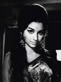 Sharmila Tagore wears her hair with a bouffant