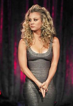 How Kaley Cuoco Bypassed the Awkward Stages in Growing Out Her Hair – Celebrities Woman Kaley Cuoco, Big Bang Theory, Briana Cuoco, Actrices Sexy, Hollywood, Hot Blondes, Beautiful Celebrities, Beautiful Women, Tight Dresses