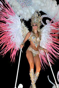 Giovanna Mansutti. Reina de Comparsa de Anahí - Carnavales de Bella Vista, Corrientes - 2012
